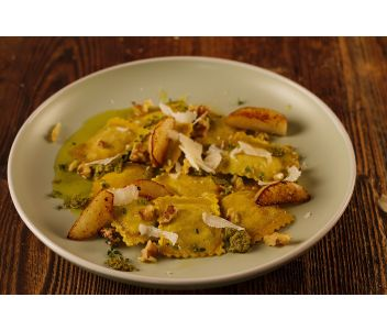 Caramelised Pear & Goats Cheese Ravioli (6 servings)