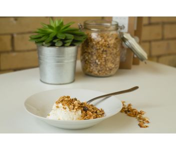 Oat & Nut Granola