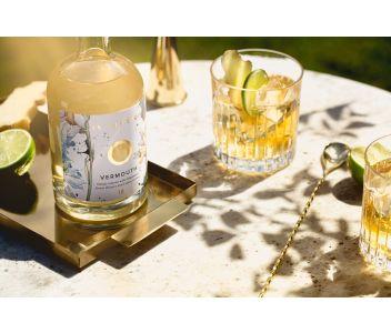No. 18 Dry White English Chardonnay Vermouth