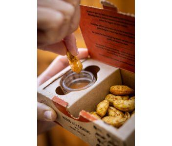 Mango Moa Cashews with Chilli Dip Tray