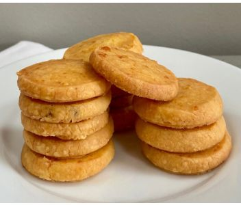 6 Giddy Nibbles Bake-at-Home Cheese Biscuits