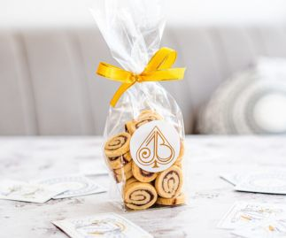 Cinnamon Swirl Biscuits Gift Bag