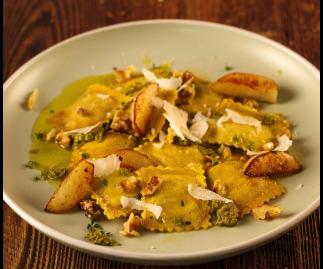 Caramelised Pear & Goats Cheese Ravioli (6 servings)